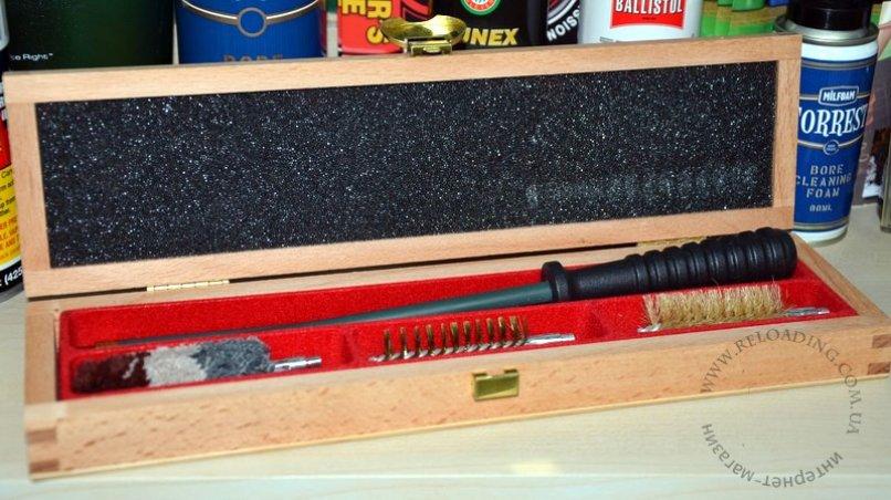Набор Megaline для чистки ружья 12 калибра в деревянной кробке